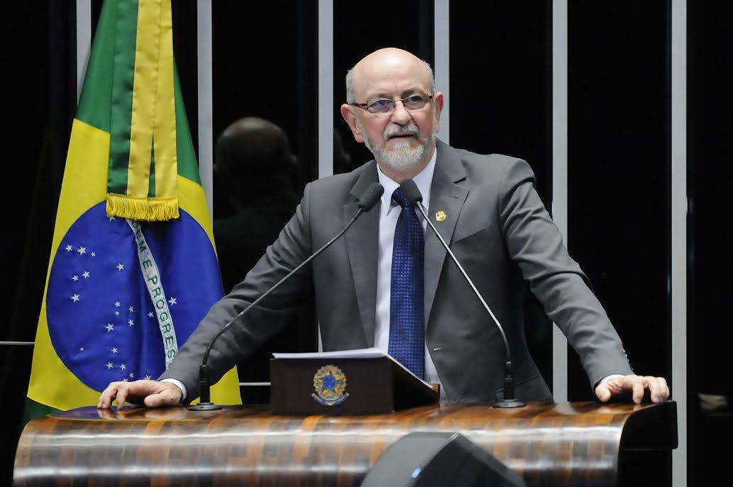 Donizete Nogueira votou a favor da revogação da prisão de Delcídio Amaral