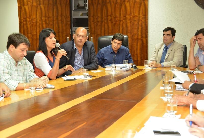 Ricardo Ayres em busca de sugestões para equilibrar contas do Estado do Tocantins Foto: Benhur de Souza