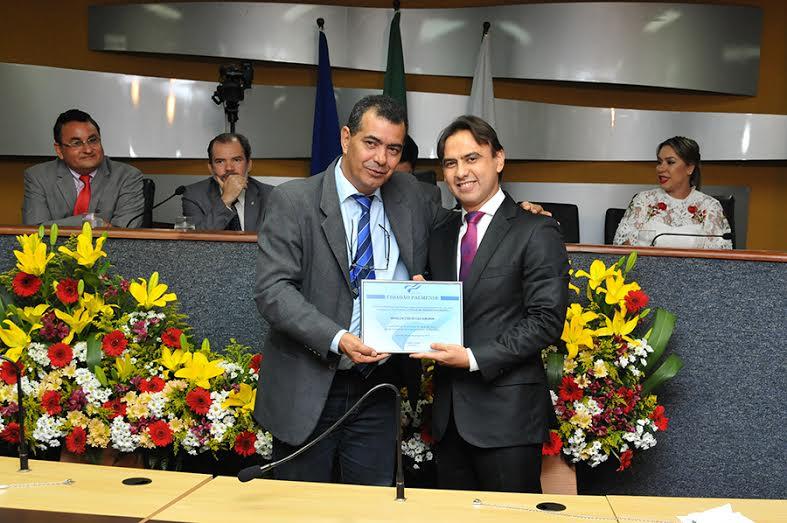 Marlon Amorim recebe título de Cidadão Palmense