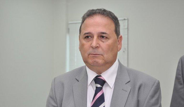 As acusações recaem, principalmente, sobre Adir Cardoso Gentil, Secretário de Governo do Município de Palmas, e Christian Zini Amorim, Secretário Municipal de Acessibilidade, Mobilidade e Transporte de Palmas
