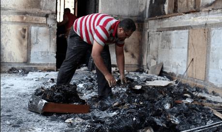 igreja-crista-copta-queimada-em-minya-egito-agosto-destroAos