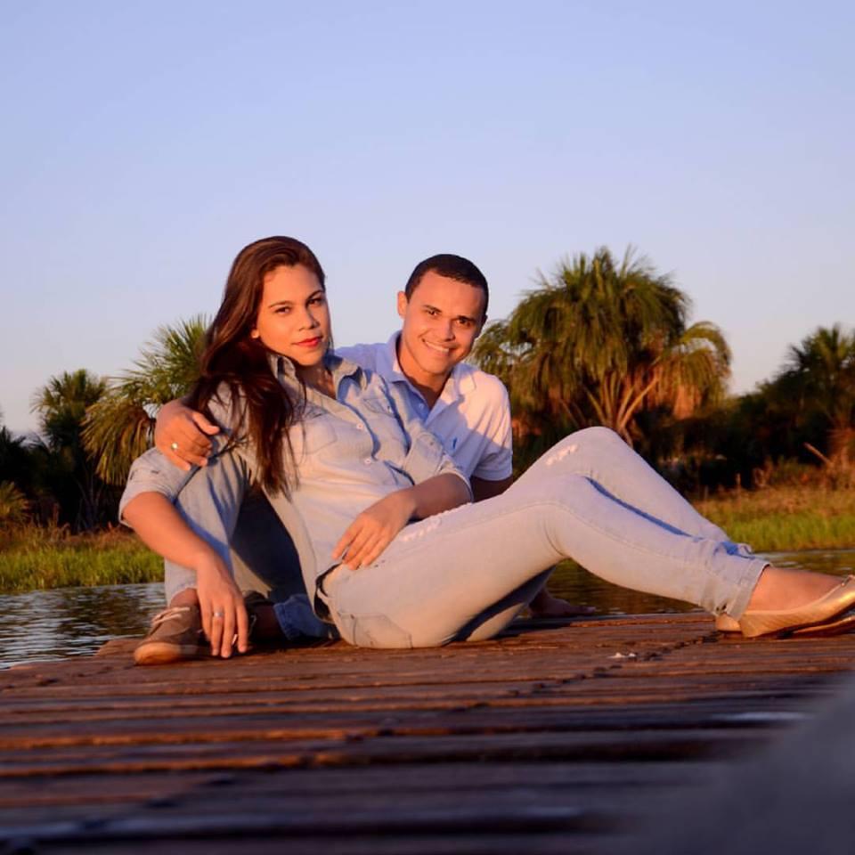 Rafael Damaceno e a noiva Wanessa Rocha