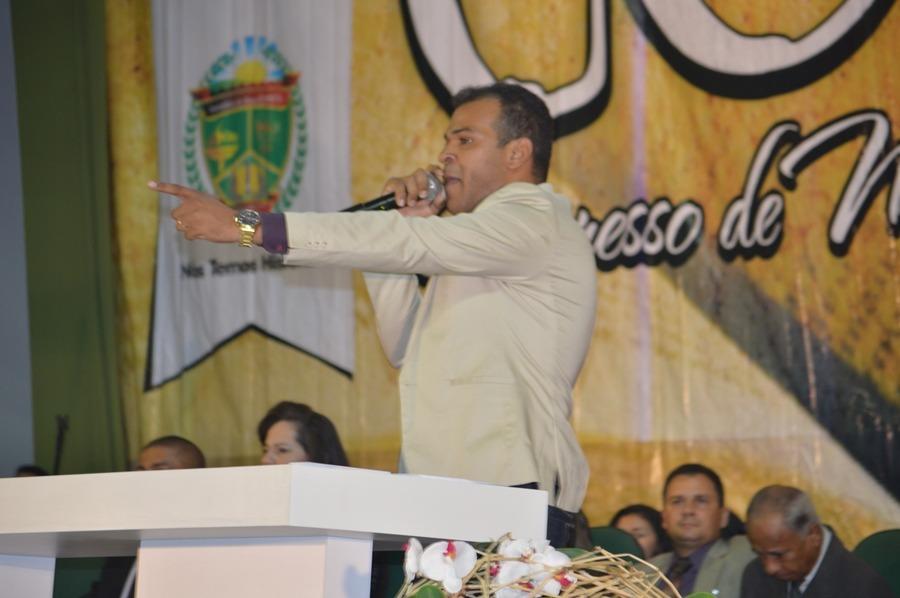 Cantor Silas Cavalcante foi um dos levitas do congresso nesta segunda