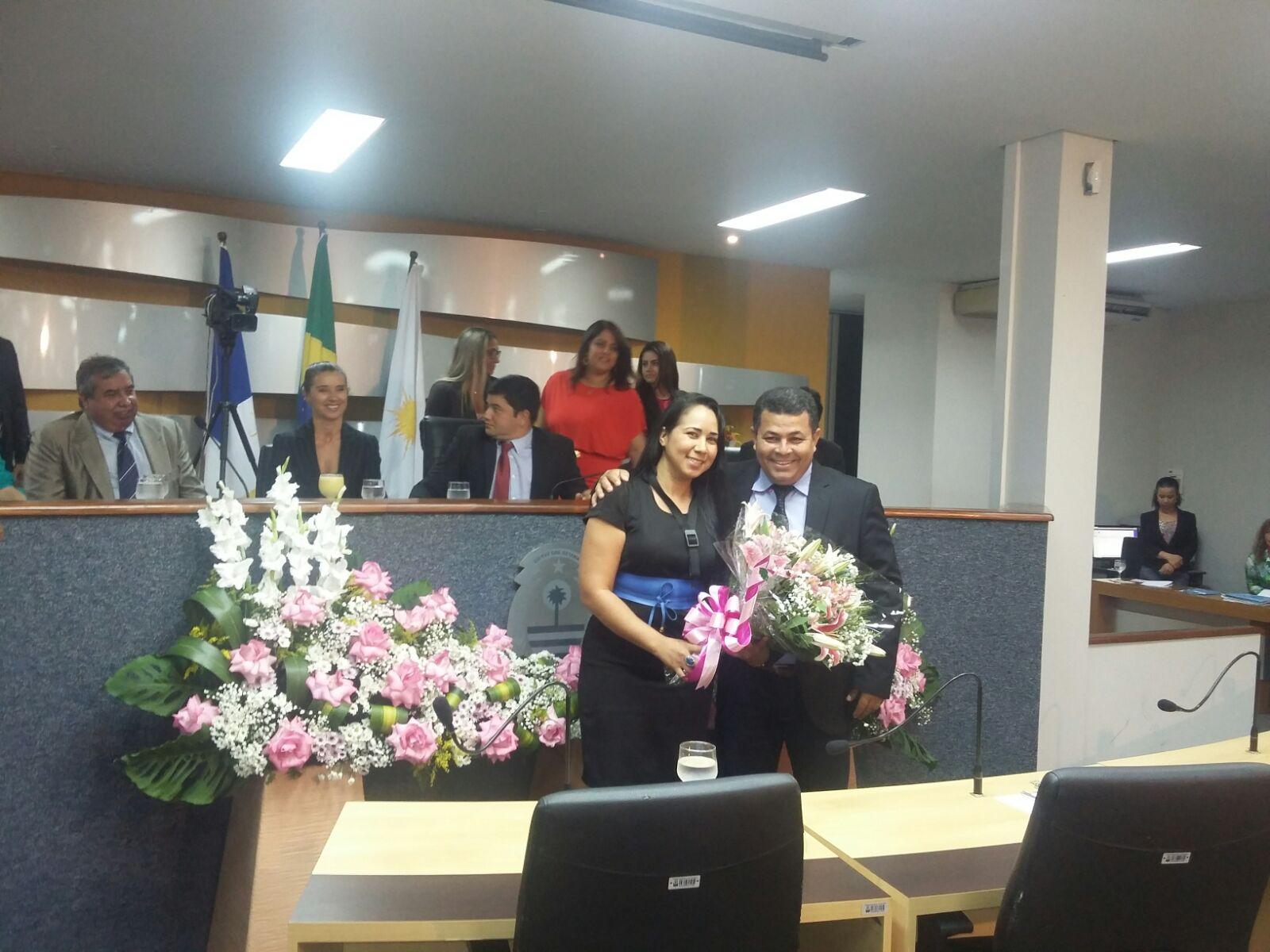 Elda Costa ao lado do vereador Folha (PTN)