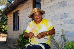 Foto 2 - Artez_ (Dona Santinha) Maria Pereira Santos no Mumbuca