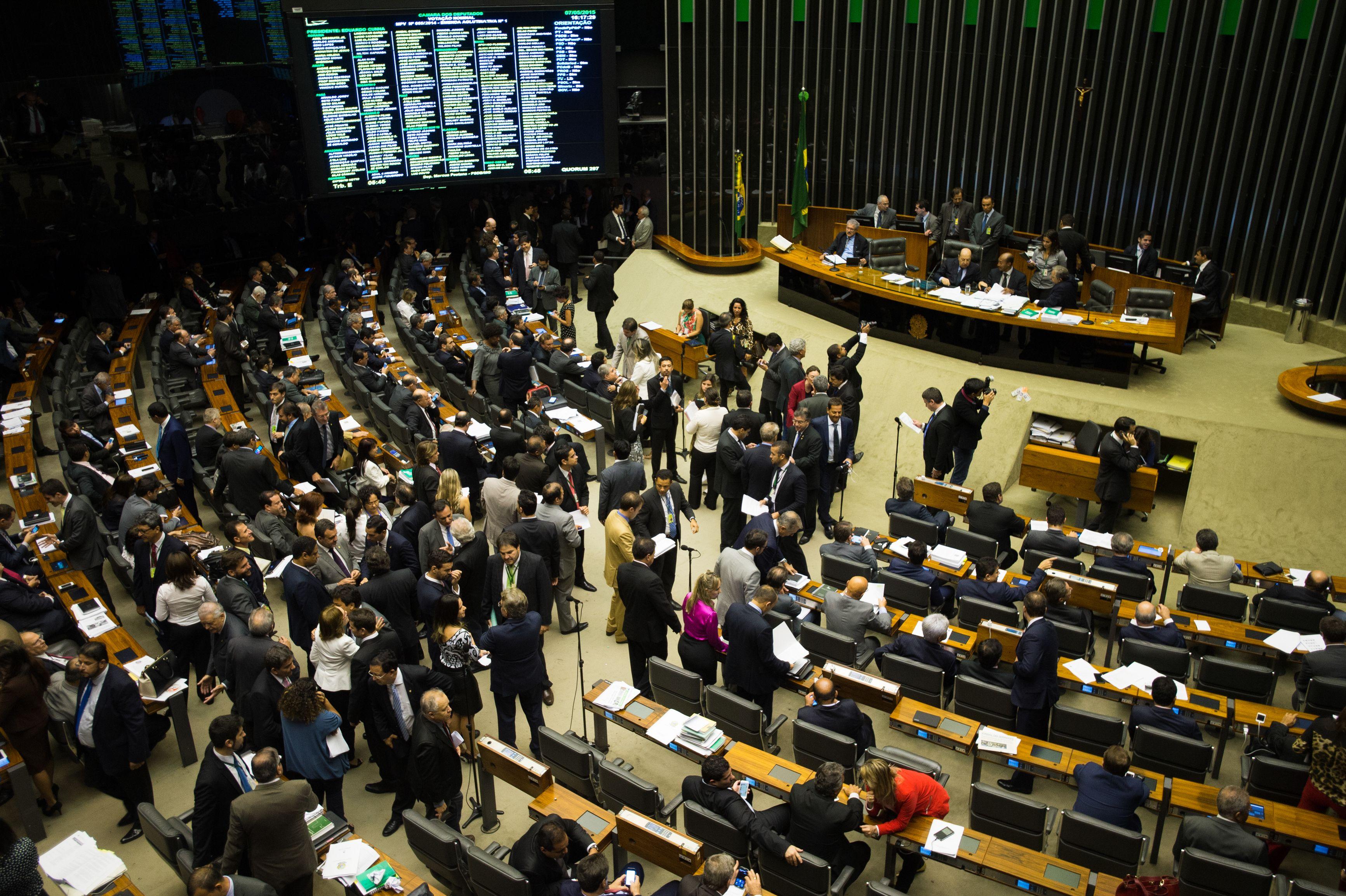 Brasília- DF- Brasil- 07/05/2015- A Câmara realiza sessão para votar os destaques à Medida Provisória 665/14, que muda as regras de concessão do seguro-desemprego, abono salarial e seguro-defeso para o pescador artesanal (Marcelo Camargo/Agência Brasil)