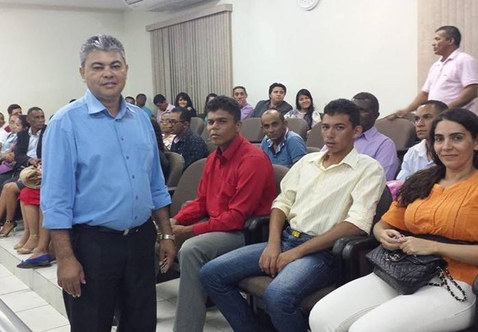 projeto-de-lei-de-autoria-do-vereador-neto-pajeu-institui-dia-do-cantor-gospel-de-araguaina-noticia-16084407