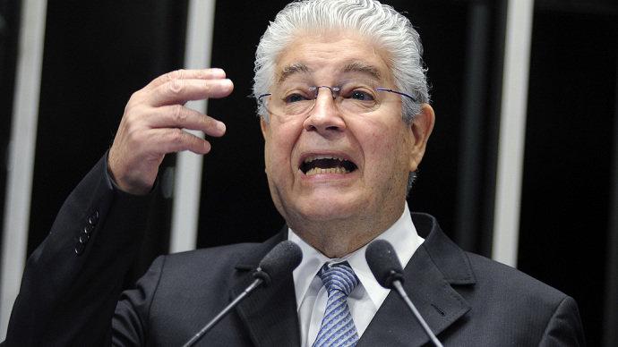Senador Roberto Requião (PMDB-PR), presidente da delegação, concordou com a retirada do grupo do evento(Geraldo Magela/Agência Senado/VEJA)