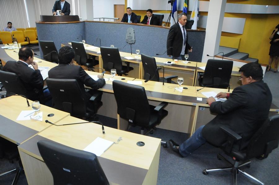 Governistas deixaram a sessão minutos antes de votarem as MPs que destravariam a pauta