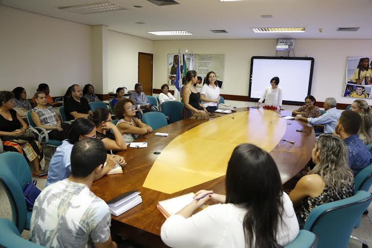 A oficina foi realizada na sede da Seduc e abordou temas sensíveis do cotidiano escolar