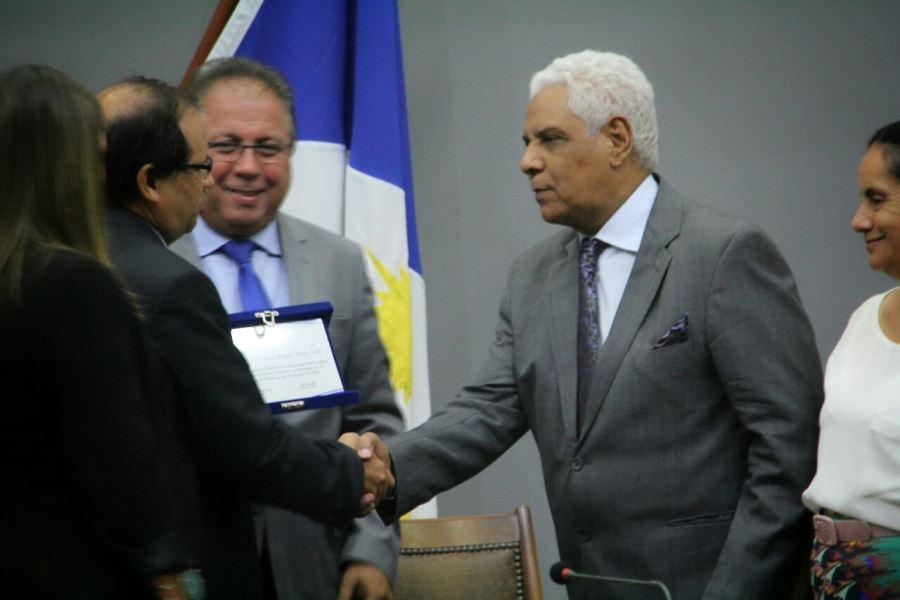 A homenagem foi solicitada pelo deputado Eli Borges