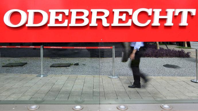 Empreiteiras como Odebrecht, OAS, UTC Engenharia e Queiroz Galvão, além de executivos e ex-funcionários da estatal, serão cobrados pelo governo(Paulo Whitaker/Reuters)