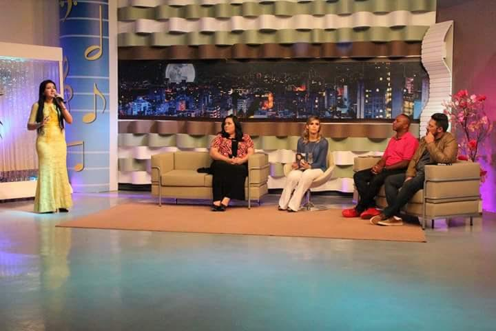 Cantora Rosilene Martins gravou programa no Canal da RIT TV