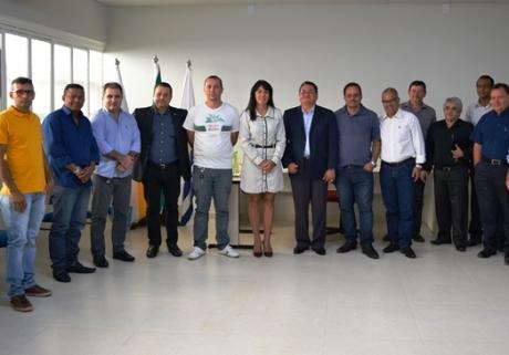 Empresários recebem pré-candidato pastor João Campos em sabatina