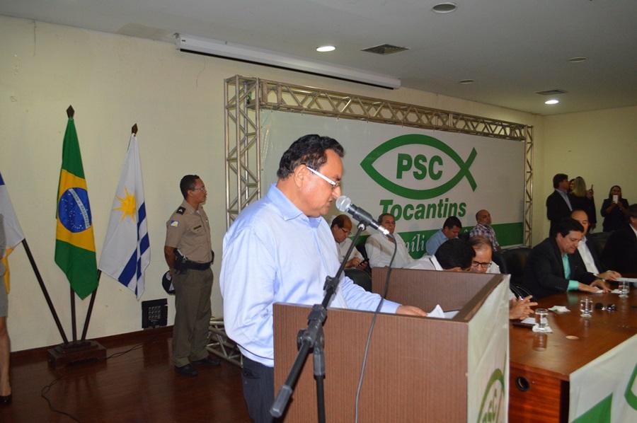 Vereador pastor João Campos fala durante lançamento