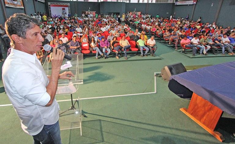 """. O ex-prefeito de Palmas, afirmou que o PR terá a missão de revolucionar com a participação da juventude ativamente. """""""