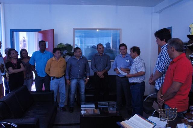 Ás vésperas das eleições, Otoniel Andrade anuncia pagamento da data-base
