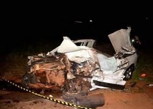 Veículo-Saveiro-ficou-totalmente-destruído