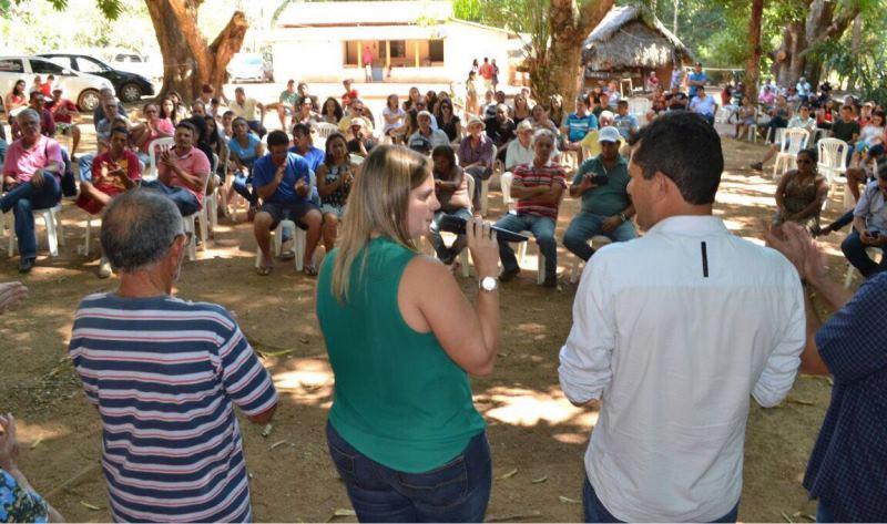 A pré-candidata a prefeita de Palmas pela aliança Frente por