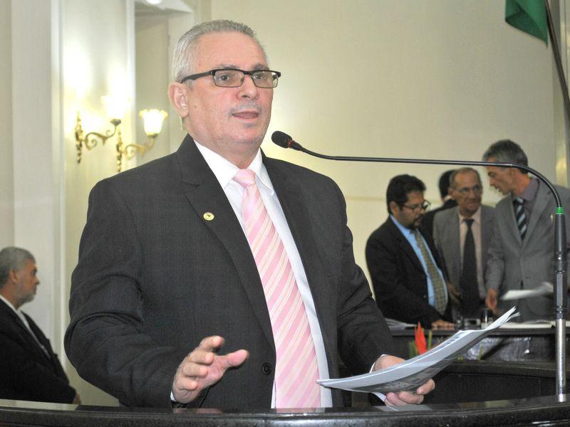 TRE/AL cassa mandato do deputado Pastor João Luiz por atuação em igreja na campanha eleitoral