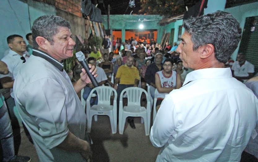 """""""Fizemos pavimentação, eliminando a poeira, um dos maiores problemas sofridos pela comunidade, além da regularização fundiária que deu posse aos proprietários de seus terrenos naquela época"""", lembrou Raul Filho"""