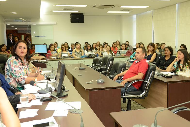 """a deputada Amália Santana disse que """"o Suas é uma conquista histórica capaz de reduzir a desigualdade social, proporcionando o acesso ao sistema de garantia de direitos e às diversas outras políticas,"""