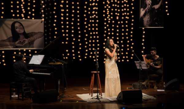 Cristina Mel celebra 26 anos de carreira