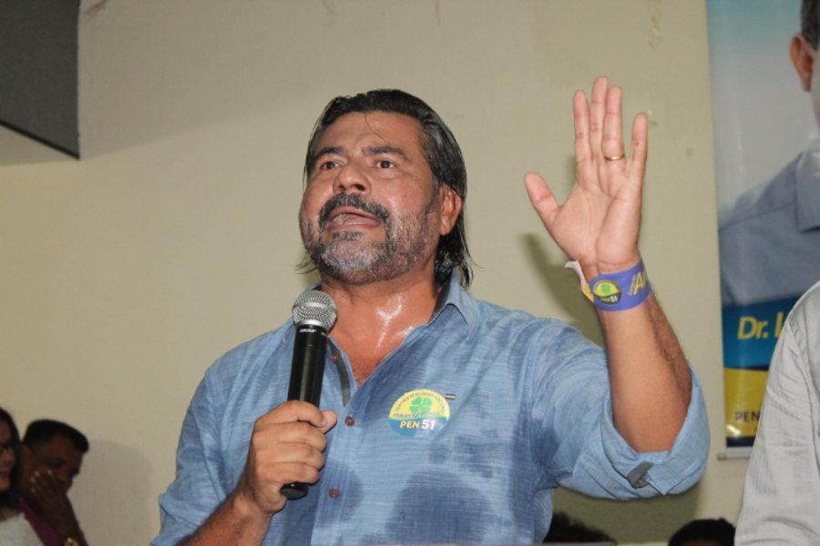 Aragão critica Fabiano Parafusos e questiona desistência da candidatura