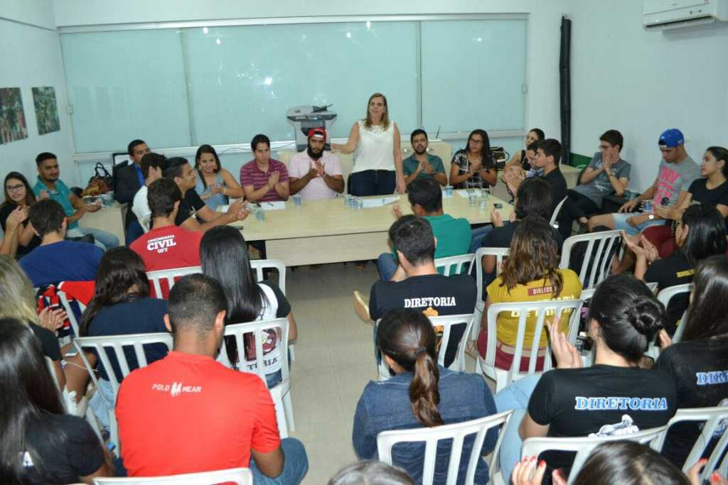 FOTO REUNIÃO ESTUDANTES