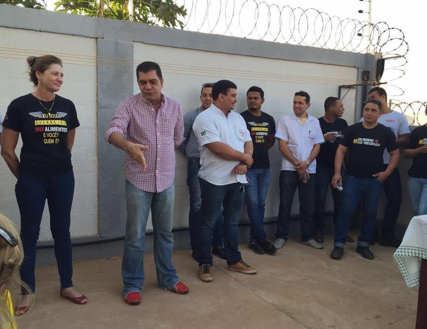 Amastha visita distribuidora de alimentos na Capital