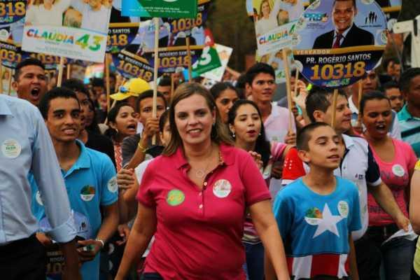 A nota acusa o candidato Carlos Amastha, de ter infiltrado na plateia dezenas de militantes com o intuito de tumultuar, vaiar e prejudicar os demais concorrentes