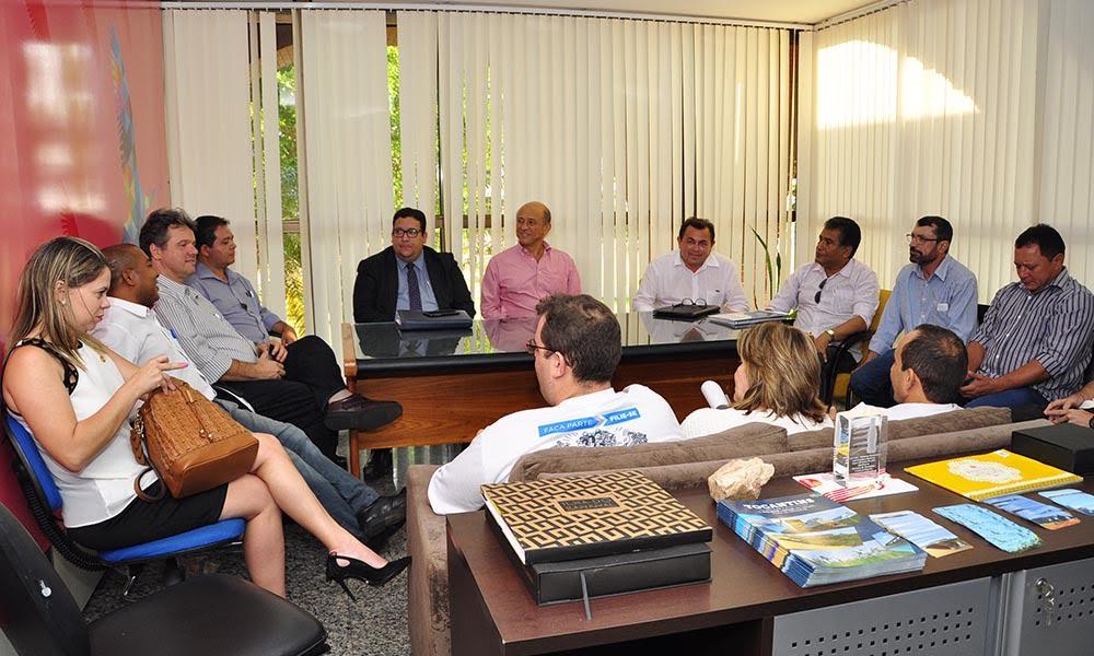 A reunião aconteceu na tarde desta segunda-feira,19, na sede do Executivo com a presença dos líderes sindicais e com o secretário-geral de Governo e Articulação Política e presidente do Grupo Gestor, Lyvio Luciano Carneiro de Queiroz