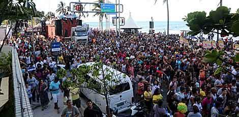 Evento evangélico atrai multidão em Boa Viagem