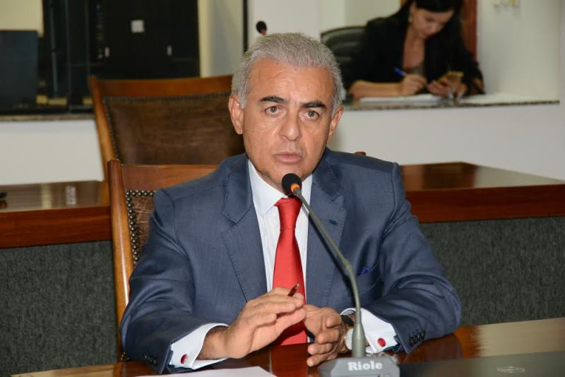 Paulo Mourão usou a palavra para pedir aos deputados a aprovação por unanimidade do requerimento definindo a data do dia 14 para a audiência pública