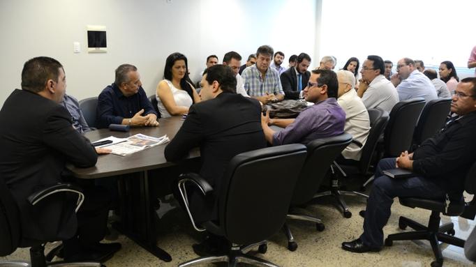 Após eleições, Amastha faz sua primeira reunião com a equipe de governo