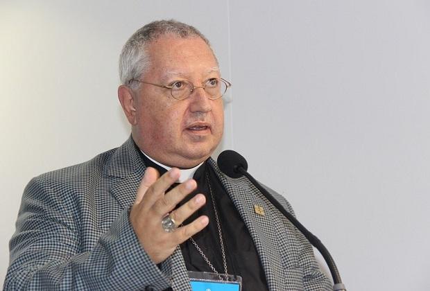 Bispo da Igreja Católica diz que proposta que limita gastos públicos é 'devastadora e brutal'