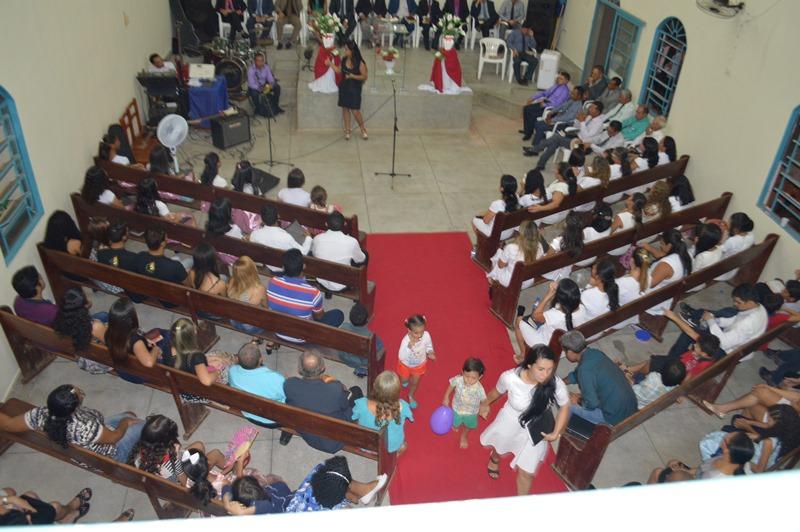 A igreja local é pastoreada pelo pastor Jozímos Macedo