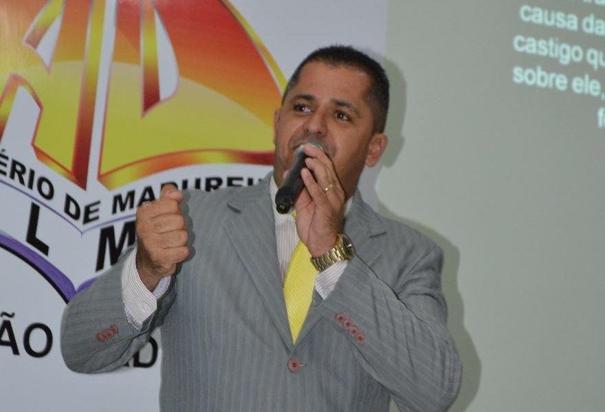Pastor Cláudio Santana, pastor dirigente da AD Arse 65 em Palmas