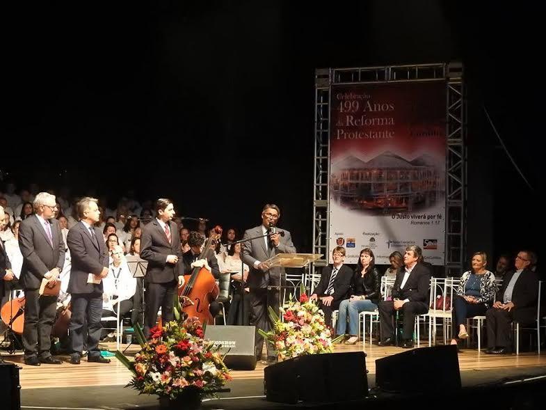 Saudação trazida pelo Pastor Dorgival Lim ... ira, da Igreja Batista de Curitiba