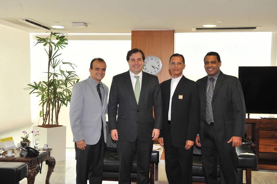 Em Brasília, Joaquim Maia é recebido pelo vice-Presidente e senadores e trata de recursos para Porto Nacional