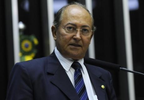 Deputado Lázaro Botelho é autuado pela Receita Federal por movimentações irregulares