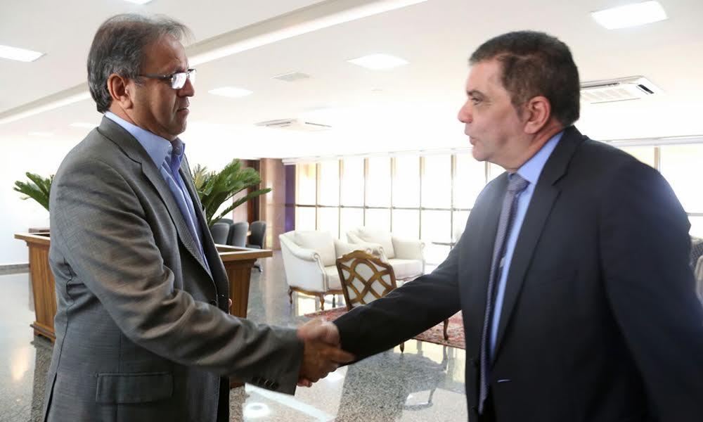 Durante a reunião, o governador lembrou que o Governo do Estado visa um trabalho em prol dos 139 municípios tocantinenses