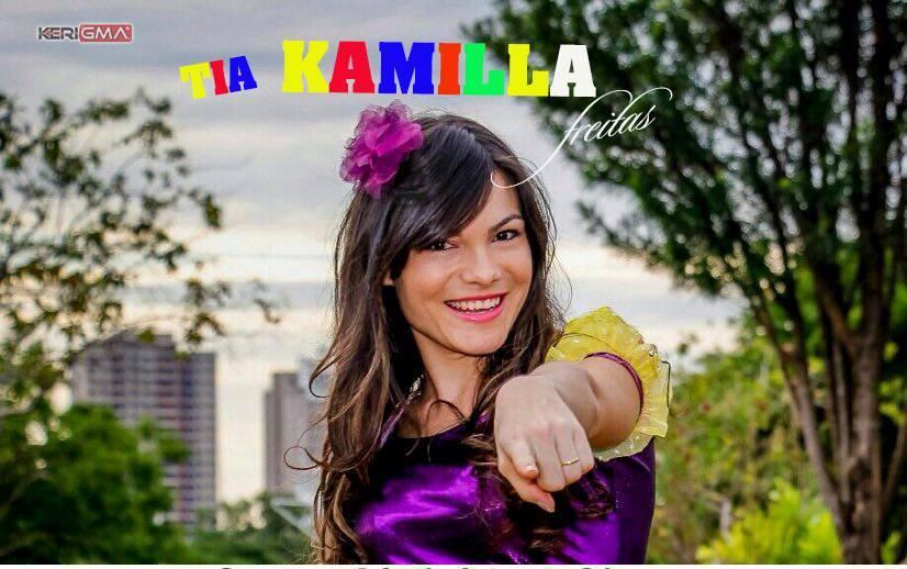 A cantora Kamilla Freitas participará de um período com as crianças no domingo a tarde