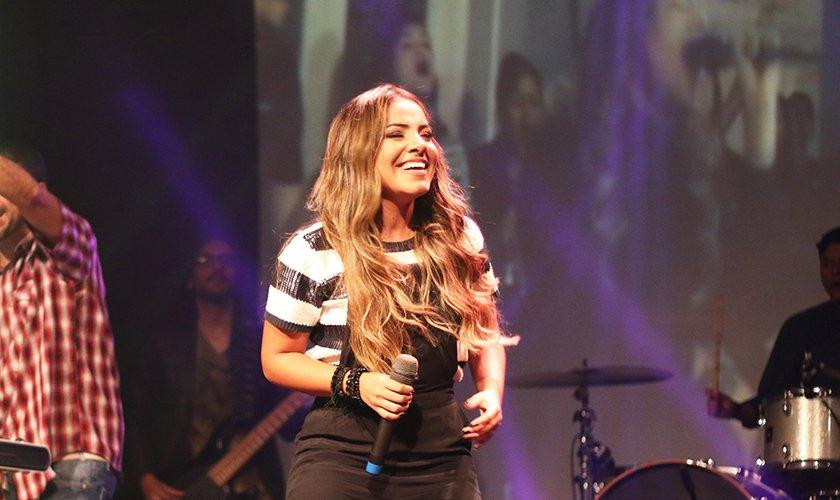Gabriela Rocha durante o Encontro de Mídias e Lojistas da Sony Music. (Foto: Guiame/Marcos Paulo Correa)