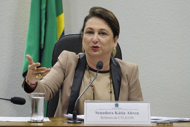 """""""Se apropriar de verbas que não fazem parte do seu salário também é corrupção"""", diz Kátia Abreu"""