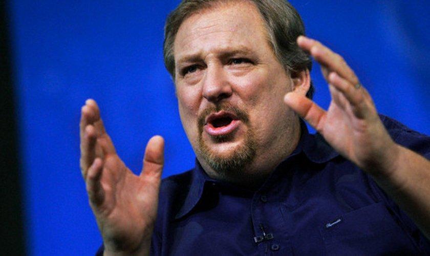 """Rick Warren é autor do livro """"Uma Vida com Propósitos"""". (Imagem: Youtube)"""