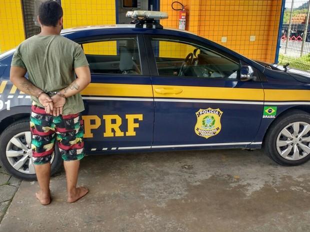 eferson foi preso por cometer crime no dia 30 de outubro, em Santa Catarina (Foto: Divulgação/PRF)