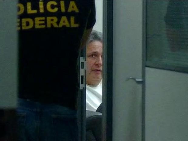 Garotinho foi preso e levado para a sede da PF no Rio (Foto: Reprodução/William Côrrea/GloboNews)