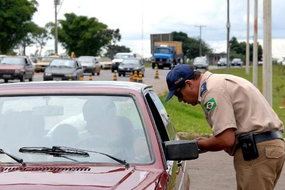 As regras mais rígidas para o Código de Trânsito foram estabelecidas pela Lei n.º 13.281 , sancionada em maio deste ano -Arquivo/Agência Brasil