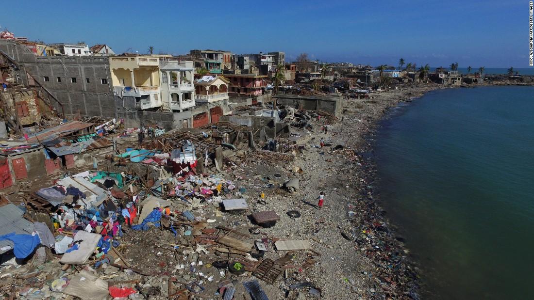 161009095917-05-hurricane-matthew-haiti-1008-super-169